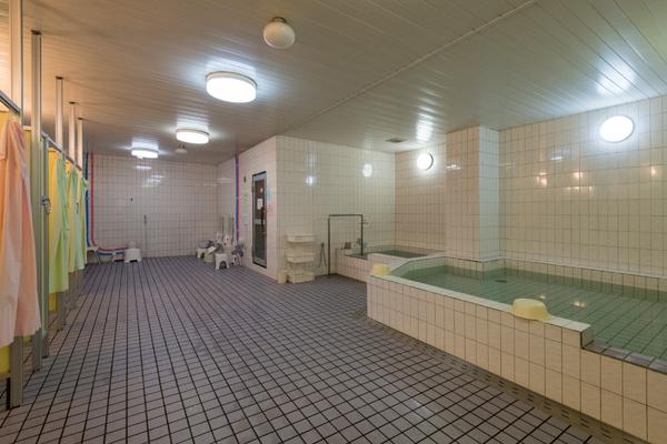 女子 浴室・シャワーブース